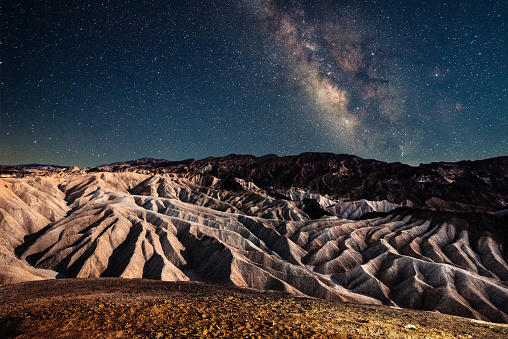 Moon Surface「Stargazing in Death Valley」:スマホ壁紙(15)