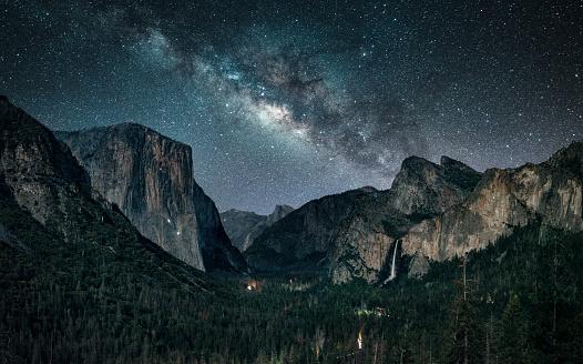 Dramatic Landscape「Stargazing at Yosemite National Park」:スマホ壁紙(18)