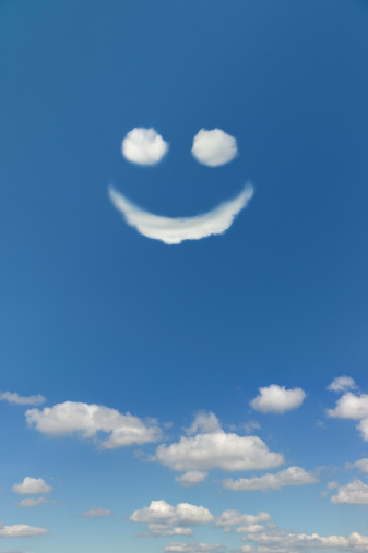 Anthropomorphic Smiley Face「Clouds forming smiley face in sky」:スマホ壁紙(7)