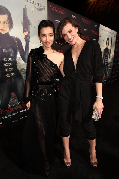 ミラ・ジョヴォヴィッチ「Premiere Of Screen Gems' 'Resident Evil: Retribution' - Red Carpet」:写真・画像(6)[壁紙.com]