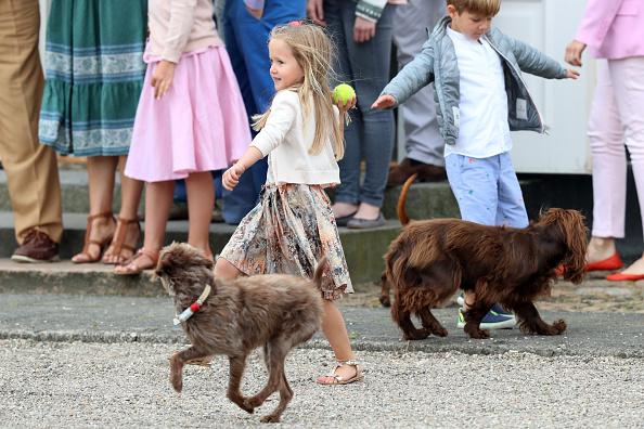 フォトコール「Annual Summer Photocall For The Danish Royal Family At Grasten Castle」:写真・画像(7)[壁紙.com]