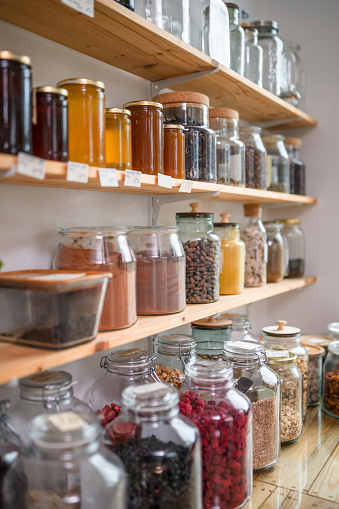 Zero「Organic Bulk Products On Shelves In Zero Waste Shop」:スマホ壁紙(18)