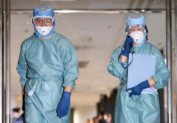 検疫「Japan Prepares For Swine Flu」:写真・画像(5)[壁紙.com]