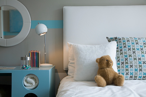 Stuffed Animals「Blue Desk Beside Bed in Children's Room」:スマホ壁紙(11)