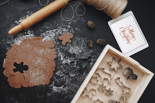 Pastry Cutter「Digital tablet, gingerbread dough and pastry cutters」:スマホ壁紙(8)