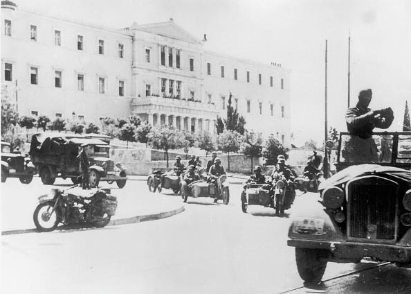 Military Invasion「Occupied Athens」:写真・画像(3)[壁紙.com]