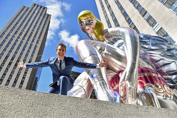アート「Jeff Koons Unveils Seated Ballerina Inflatable Sculpture」:写真・画像(8)[壁紙.com]