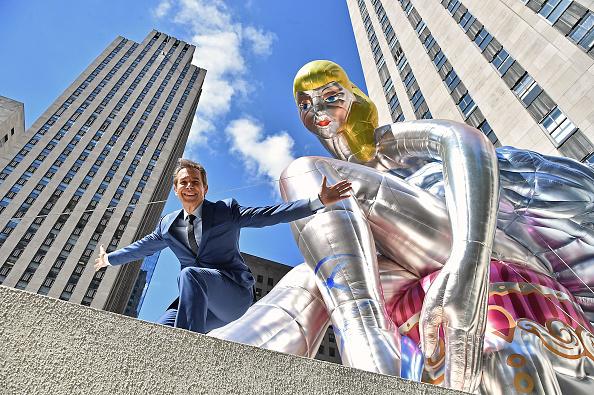 Art Product「Jeff Koons Unveils Seated Ballerina Inflatable Sculpture」:写真・画像(17)[壁紙.com]