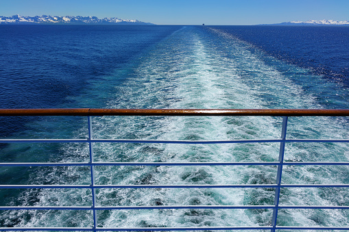 Cruise - Vacation「Stern view from cruise ship on Inside Passage to Alaska」:スマホ壁紙(7)