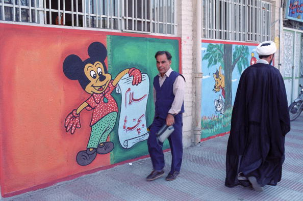 Mickey Mouse「Mickey Mouse In Qom」:写真・画像(12)[壁紙.com]