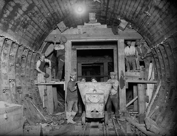 Construction Industry「Rail Tunnel」:写真・画像(8)[壁紙.com]