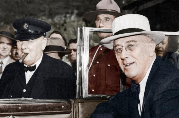 Franklin Roosevelt「Franklin D Roosevelt and Winston Churchill meeting in Quebec, Canada, 1944.」:写真・画像(14)[壁紙.com]