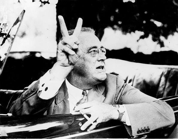 Franklin Roosevelt「Presidential V-Sign」:写真・画像(2)[壁紙.com]