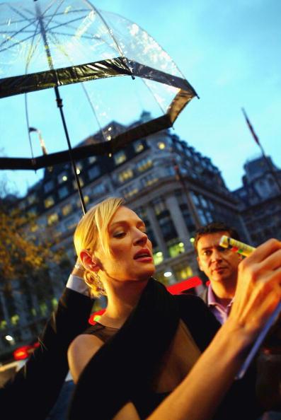 Umbrella「UK: Kill Bill: Volume 2 Premiere - Arrivals」:写真・画像(12)[壁紙.com]