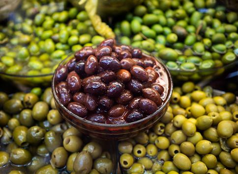 Market Stall「Olives at the market」:スマホ壁紙(4)