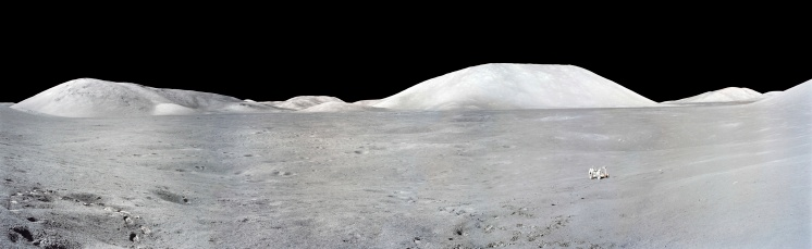 月「Apollo 17 Panorama of the moon.」:スマホ壁紙(1)