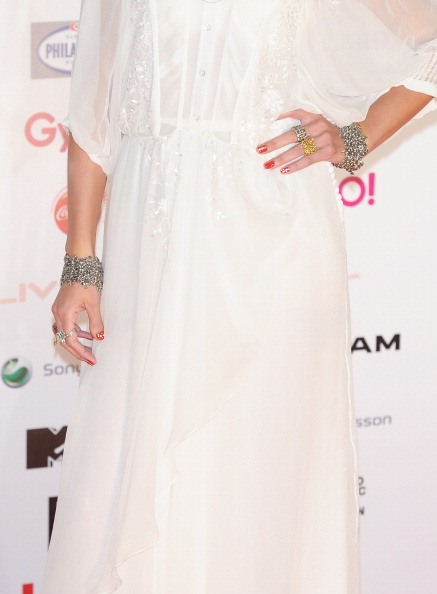 Anna Tsuchiya「MTV Video Music Aid Japan - Red Carpet」:写真・画像(12)[壁紙.com]