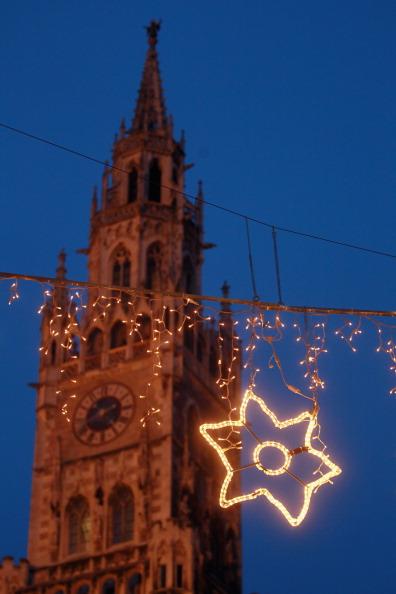 Christmas Decoration「Munich Christmas Market Is Bavaria's Oldest」:写真・画像(1)[壁紙.com]
