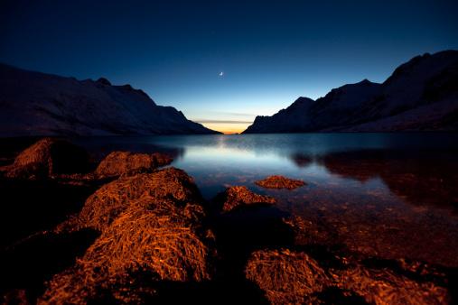 月「Ersfjord ,Norway」:スマホ壁紙(2)