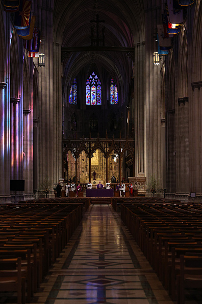 Blank「Washington D.C.'s National Cathedral Webcasts Sunday Mass Due To Coronavirus」:写真・画像(19)[壁紙.com]
