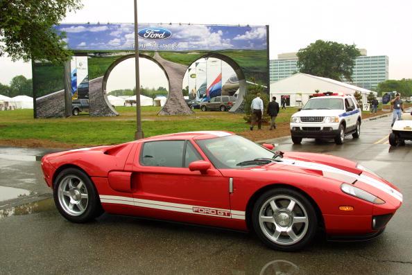 Ford GT「Ford Celebrates Company Centenial」:写真・画像(1)[壁紙.com]