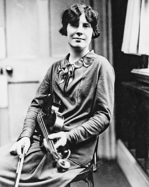 Violinist「Marie Hall」:写真・画像(12)[壁紙.com]