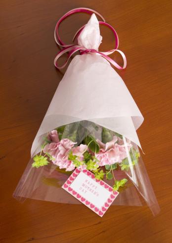 カーネーション「Bouquet of carnations for Mother's Day」:スマホ壁紙(1)