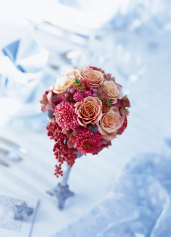 フラワーアレンジメント「Bouquet of rose,scabiosa,hydrangea,astrantia,berry」:スマホ壁紙(14)