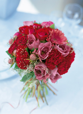 カーネーション「Bouquet of rose,gerbera,scabiosa and carnation.」:スマホ壁紙(11)