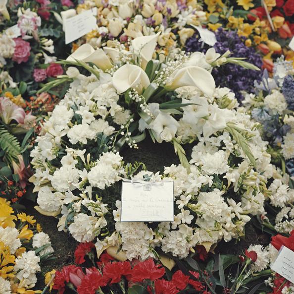Bouquet「Churchill's Funeral」:写真・画像(8)[壁紙.com]