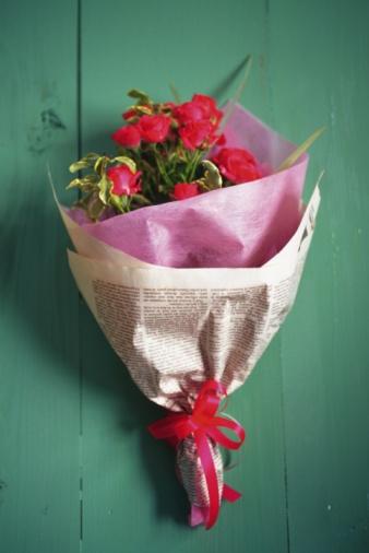 薔薇「Bouquet of roses, high angle view, green background」:スマホ壁紙(8)