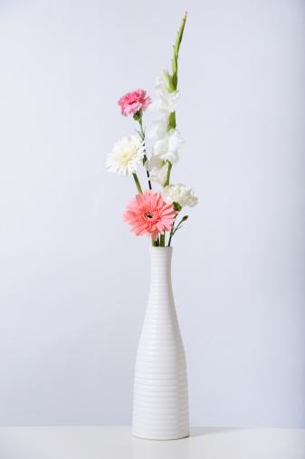 花瓶「Bouquet of flowers in white vase」:スマホ壁紙(12)