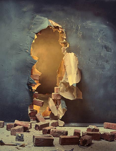 The broken wall:スマホ壁紙(壁紙.com)