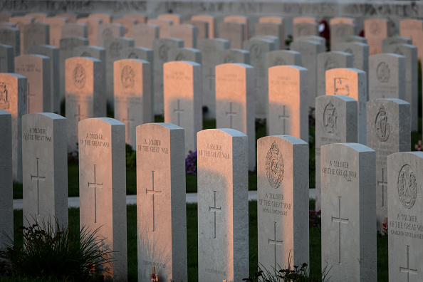 Grave「Western Front Battlefields Ahead of The 100th Anniversary of The End of WW1」:写真・画像(13)[壁紙.com]