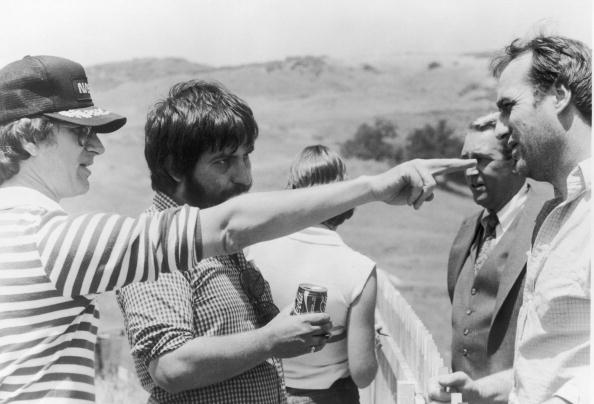 Movie「Spielberg, Hoope And Nelson On 'Poltergeist' Set, 1982.」:写真・画像(3)[壁紙.com]