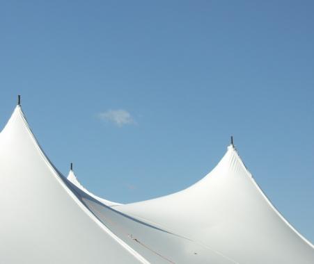 Circus Tent「Big White Tent Peaks」:スマホ壁紙(14)