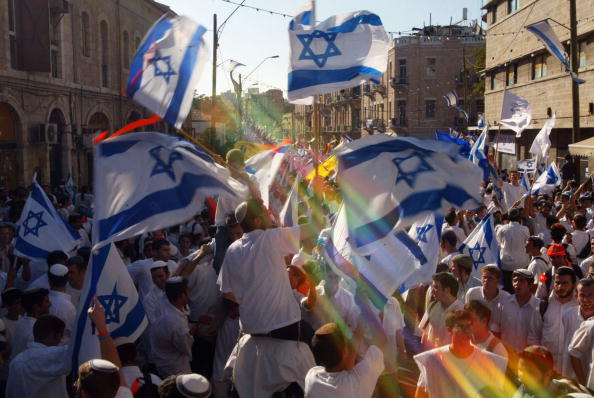 Blurred Motion「Israelis Celebrate Anniversary Of Reunification Of Jerusalem」:写真・画像(17)[壁紙.com]