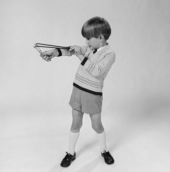 Knee Length「Boy With Catapault」:写真・画像(16)[壁紙.com]