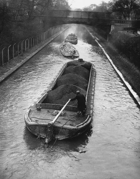 Barge「Wartime Transport」:写真・画像(4)[壁紙.com]