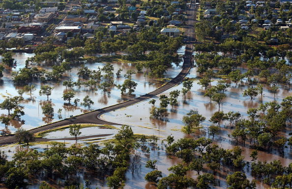Simplicity「Flood Waters Rise In Queensland's Worst Floods For 20 Years」:写真・画像(2)[壁紙.com]