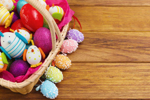 Easter Basket「Easter basket with colored eggs」:スマホ壁紙(5)