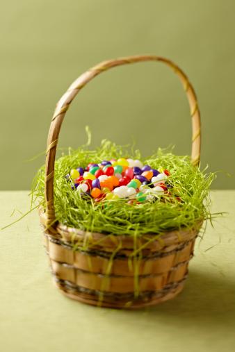 Easter Basket「Easter Basket filled with jelly beans」:スマホ壁紙(15)