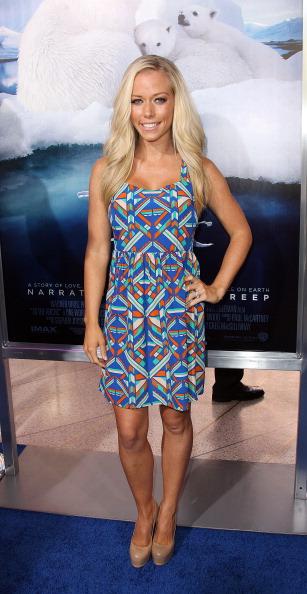 ノースリーブワンピース「Premiere Of Warner Bros. Pictures' 'To The Arctic' - Arrivals」:写真・画像(13)[壁紙.com]