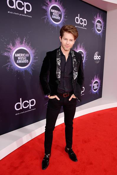 Loafer「2019 American Music Awards - Red Carpet」:写真・画像(6)[壁紙.com]