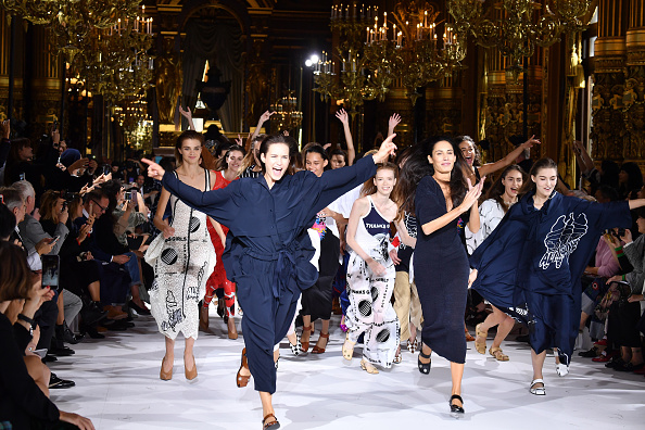 春夏コレクション「Stella McCartney : Runway - Paris Fashion Week Womenswear Spring/Summer 2017」:写真・画像(17)[壁紙.com]