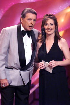 Mickey Mouse「Academy Of Country Music Awards」:写真・画像(2)[壁紙.com]