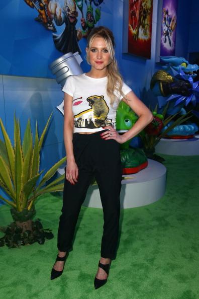 アシュリー・シンプソン「Ashlee Simpson Attends Skylanders Trap Team E3 Booth」:写真・画像(16)[壁紙.com]