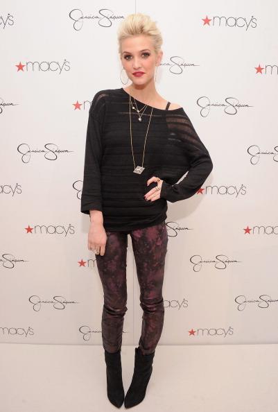 Leggings「Jessica And Ashlee Simpson Visit Macy's South Coast Plaza」:写真・画像(8)[壁紙.com]