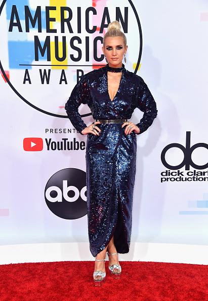 アシュリー・シンプソン「2018 American Music Awards - Arrivals」:写真・画像(4)[壁紙.com]