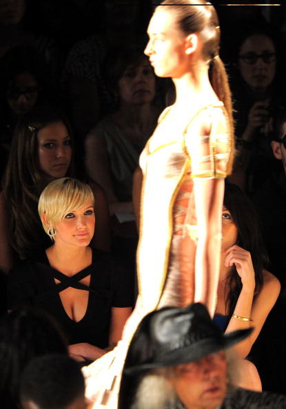 Human Body Part「Herve Leger By Max Azria - Front Row - Spring 2012 Mercedes-Benz Fashion Week」:写真・画像(11)[壁紙.com]
